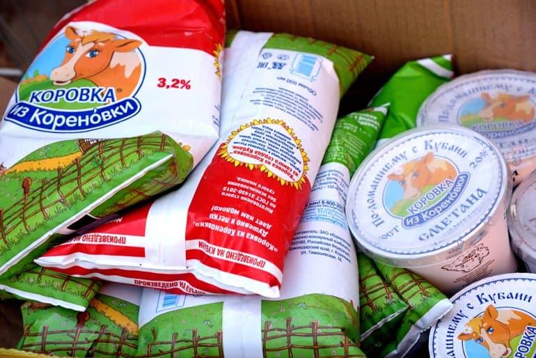 В храмах Краснодара нуждающимся стали раздавать молочные продукты