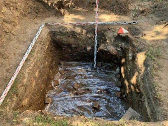 В Петербурге во время археологической разведки нашли православное кладбище XVIII века