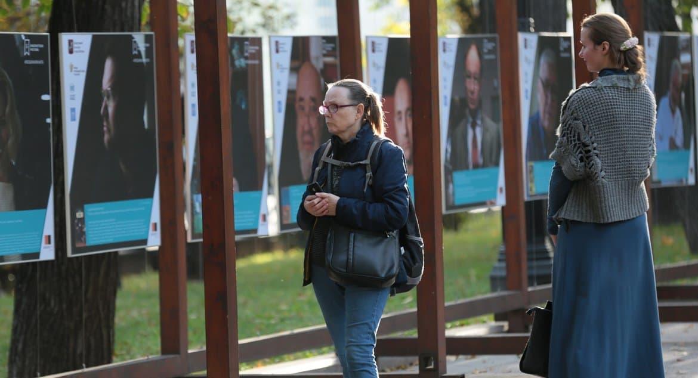 Известные люди рассказывают о своих любимых книгах на выставке в Москве