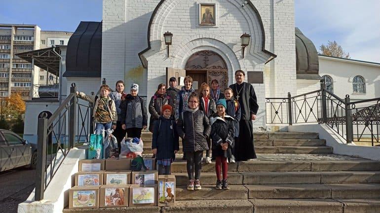 В костромских храмах собрали помощь приютам для бездомных и пострадавших животных