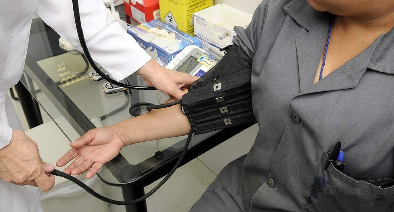 Можно ли решить не обращаться к врачам?