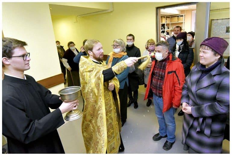 Епархиальный центр милосердия освятили в Петербурге