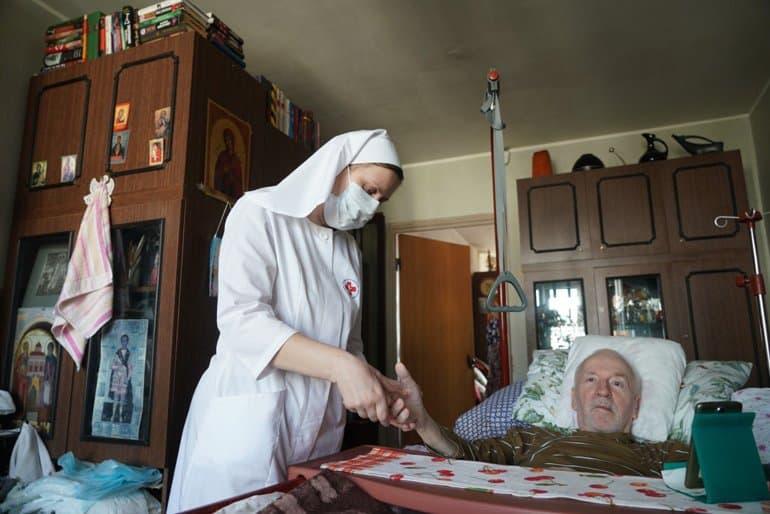 В 2020 году спрос на помощь службы «Милосердие» вырос почти наполовину