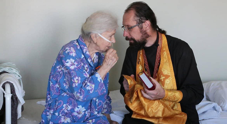 В Церкви хотят разработать методичку по допуску священников в больницы