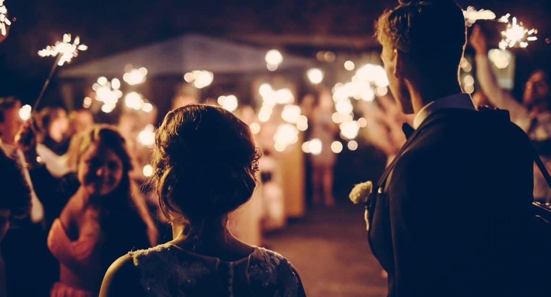 Какой брак настоящий— вЗАГСе, нобез чувств, или понарошку, нополюбви?