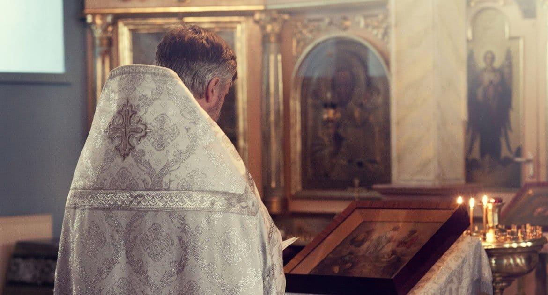 Может ли меняться духовник?