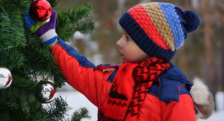 «Вдруг подошел незнакомый ребенок и обнял меня» — случай перед Рождеством, который напомнил мне об очень важном