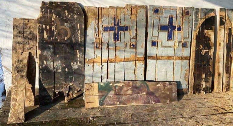 Часть стен сгоревшей на Черниговщине больницы были сделаны из икон