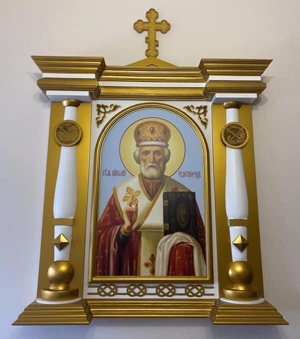 Осужденные сделали для храма при Адмиралтействе Петербурга иконостас и утварь