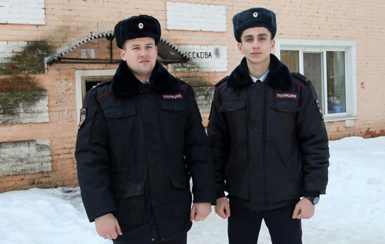 Орловские полицейские помогли семье и медикам, отравившимся угарным газом