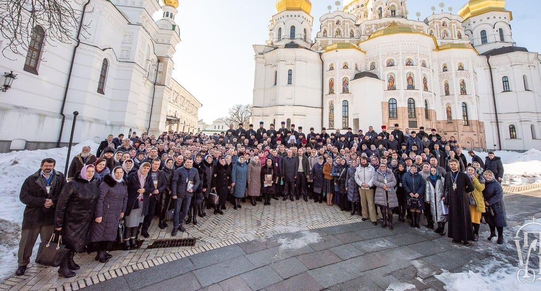 Украинские верующие записали видеообращение к Президенту Украины и Поместным Церквам