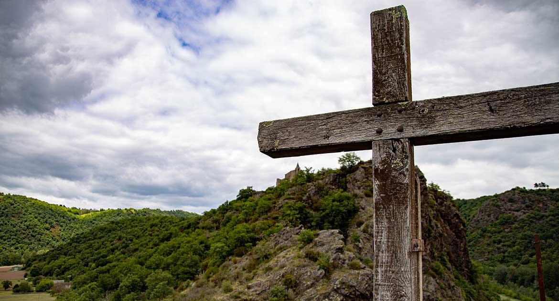Почему мыпоклоняемся орудию казни— кресту?