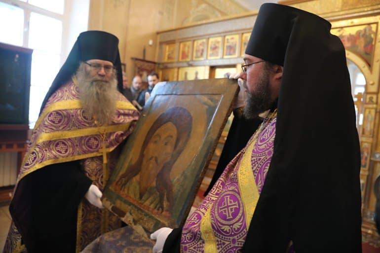 Чудотворную икону «Спас Нерукотворный» передали в ярославский монастырь