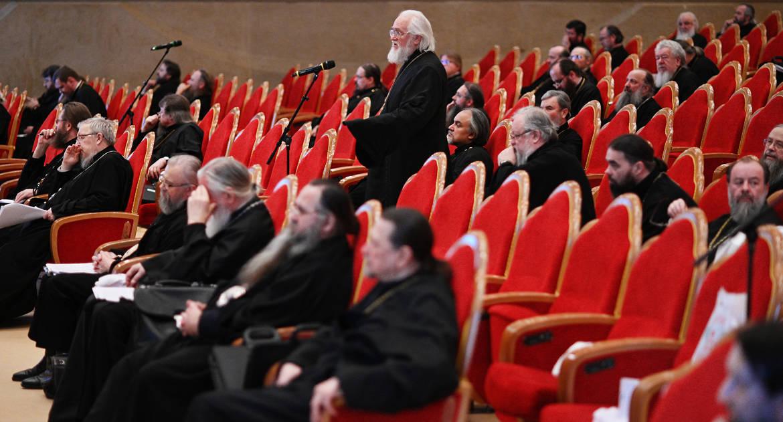 О войне, абортах и светском труде священников: разъяснение документов, утвержденных Межсоборным присутствием