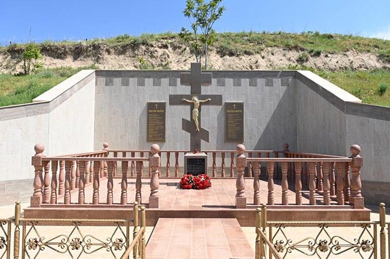 В одном из самых скорбных мест Казахстана открыли памятник новомученикам