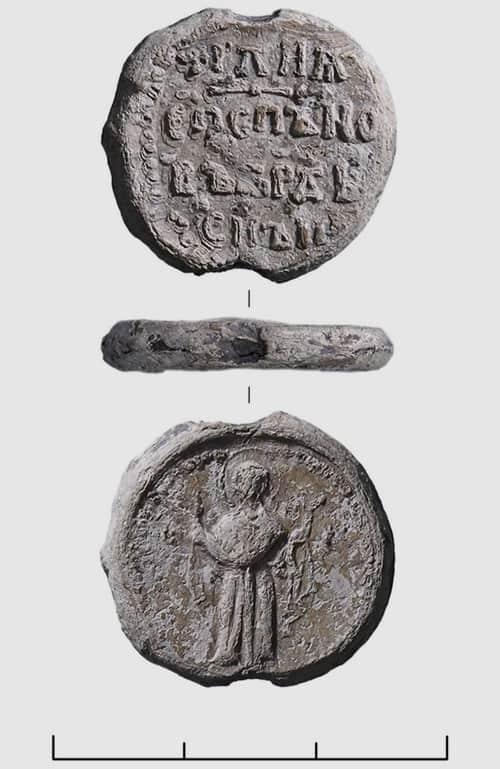 «Конфликтная» печать и редкая металлопластика: возле Суздаля нашли уникальные христианские артефакты