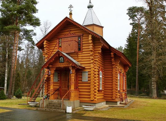 В Эстонии сгорела деревянная церковь XIX века, которую уже поджигали