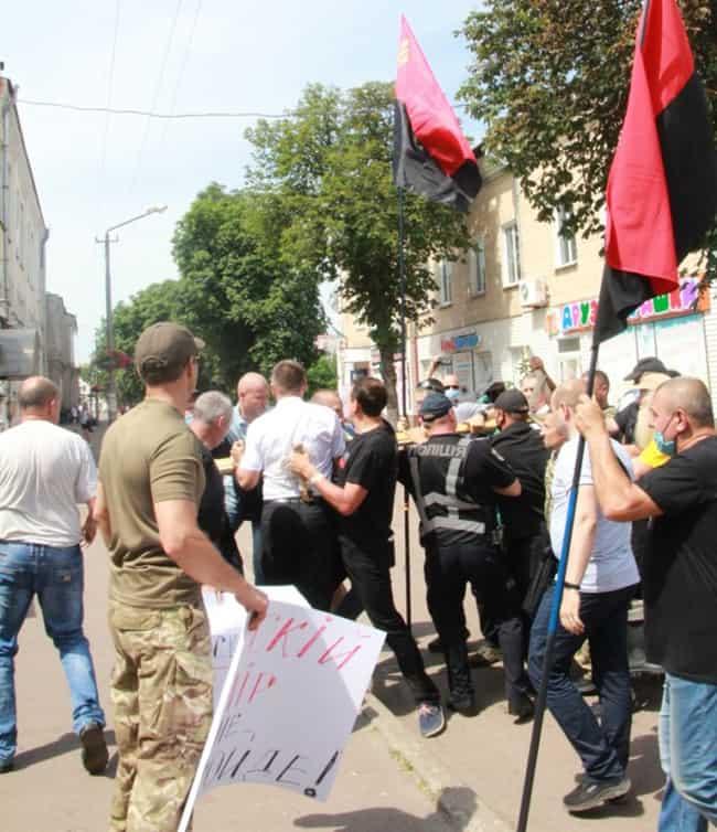 В Украинской Церкви призвали мировое сообщество осудить избиение верующих в Нежине