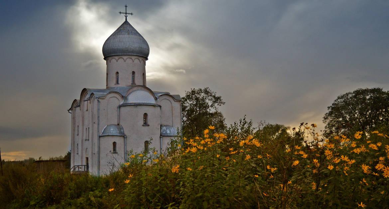 Новгородские школьники написали сценарий к фильму о церкви Спаса на Нередице