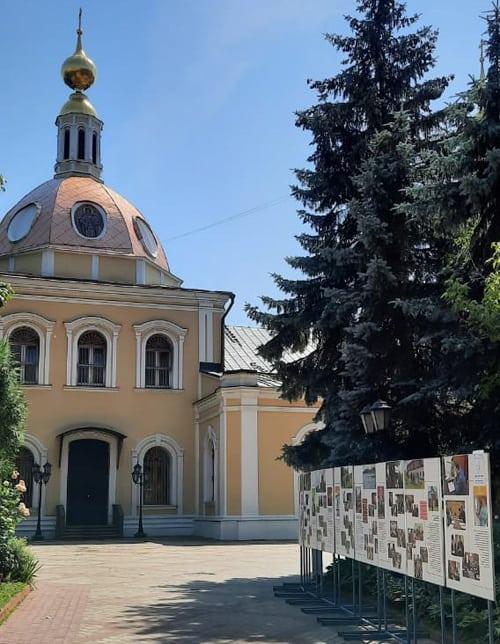 Фотовыставка в Москве рассказывает о помощи Церкви наркозависимым