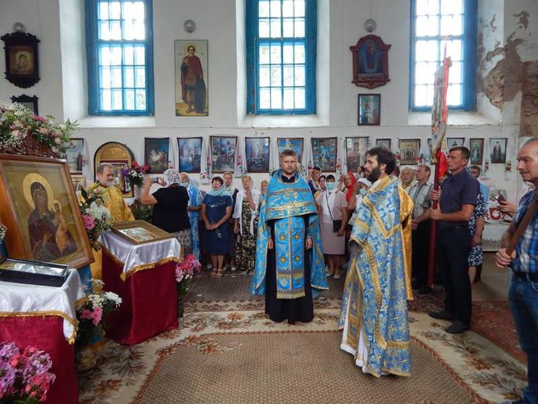 В Беларуси воссоздали утраченную Райцевскую икону Божией Матери