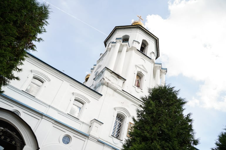Храму в Солнечногорске передали уникальную тактильную икону «Царь Славы»