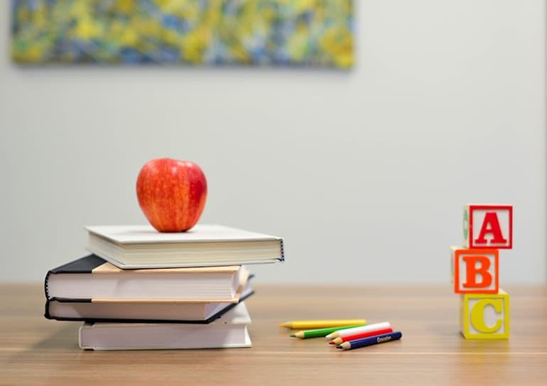 Если у меня расходятся взгляды на веру с учителем, как мне себя вести? Священник отвечает на вопрос подростка