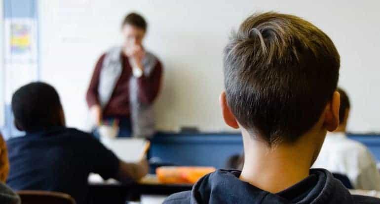 Что делать, если ребенка в школе обижают учителя?