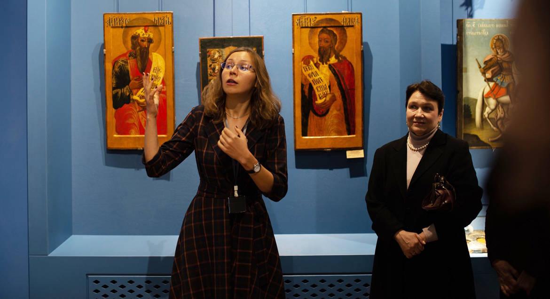 В музее Донецка открыли постоянную экспозицию с уникальными иконами