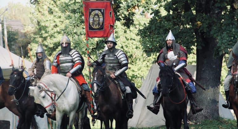 Конница Александра Невского прошла тропами Валдая