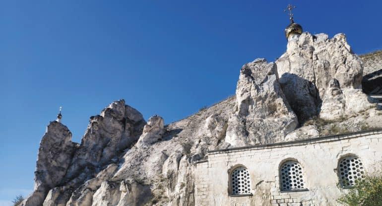 Святыня в скалах: Свято-Успенский Дивногорский монастырь