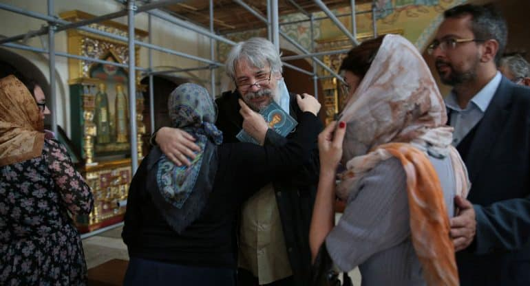 Журналу «Фома» 25 лет: сотрудники и друзья собрались в храме Александра Невского при МГИМО
