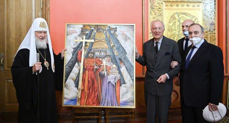 Патриарх Кирилл принял участие в передаче собору Херсонеса картины со святыми Владимиром и Ольгой