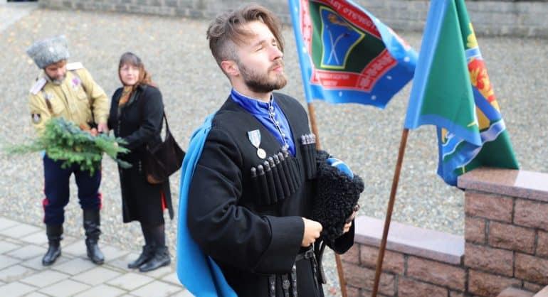 В Германии потомственные российские казаки почтили память соотечественников – героев двух войн