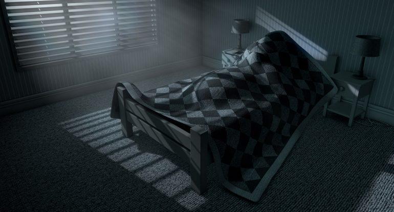 Кто-то нападает перед сном. Что делать?