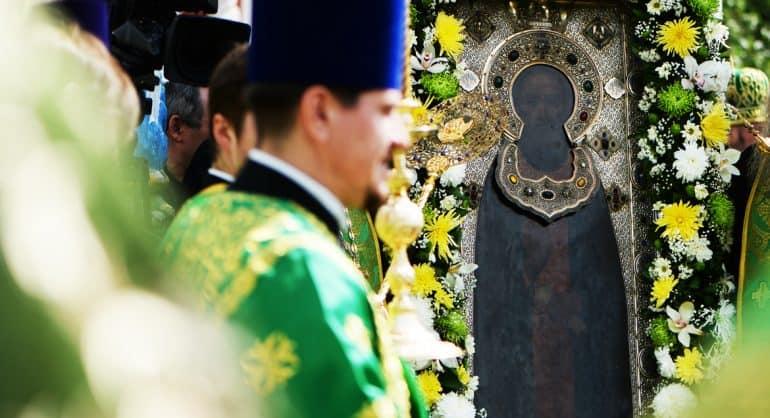 Патриарх Кирилл объяснил, почему к мощам Сергия Радонежского до сих пор приходят тысячами