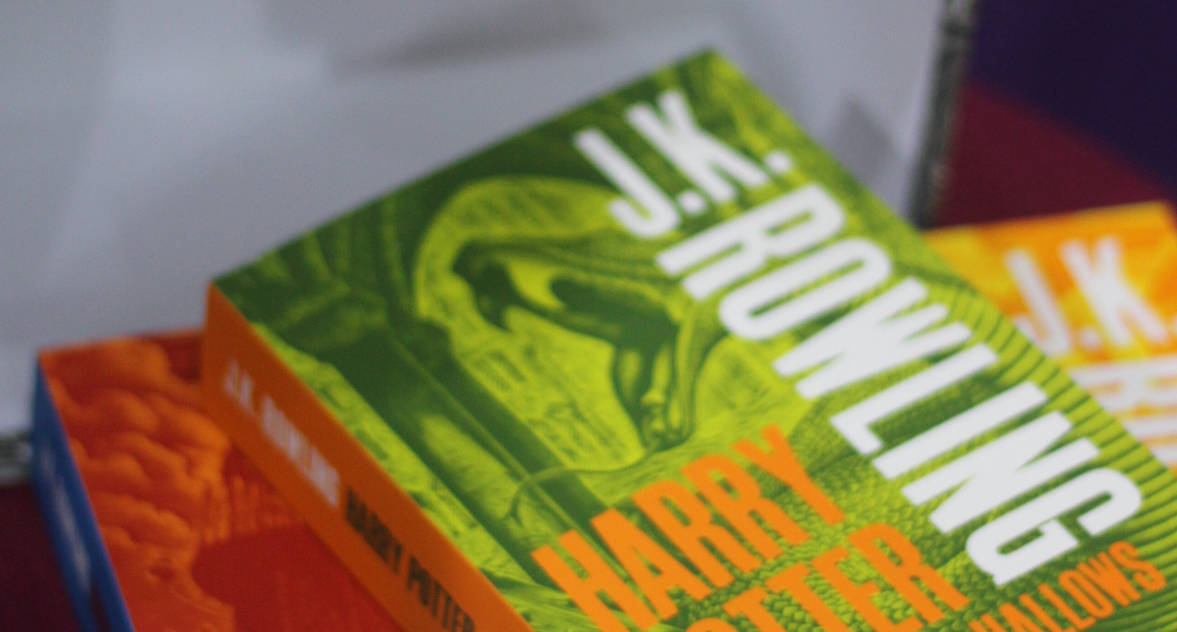В Церкви противопоставили комиксу про супергероя-гомосексуалиста новую книгу Джоан Роулинг