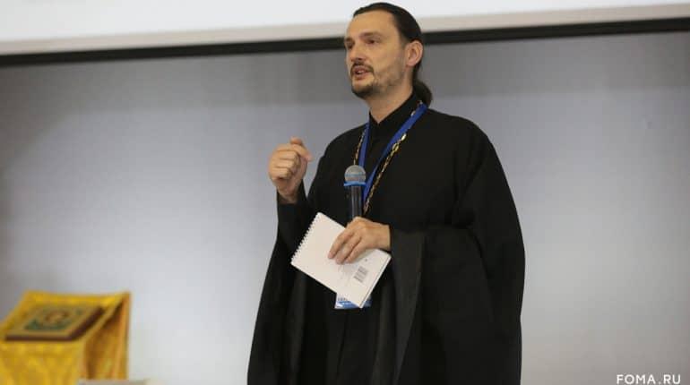 Аудитория в TikTok взрослеет и нуждается в духовной пище, – священник-блогер