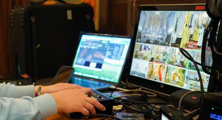 Патриарх Кирилл объяснил, почему «виртуальная церковь» – это суррогат