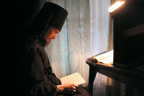 Истории о монахах