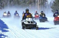 В честь новомучеников в Архангельской области проходит крестный ход на снегоходах