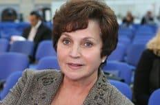 Для профилактики социального сиротства необходима четкая семейная госполитика, считает депутат Екатерина Лахова