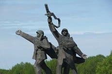 В Латвии собирают подписи в защиту памятника советским воинам-освободителям