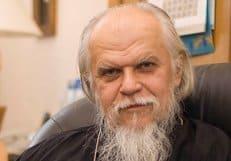 Епископ Пантелеимон (Шатов) передал помощь пострадавшим в Крымске