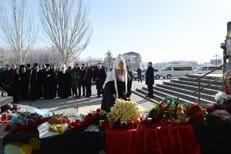 Патриарх Кирилл помолился о погибших на месте теракта в Волгограде