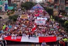 В столице Перу прошел многотысячный марш в защиту традиционной семьи