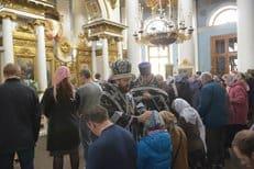 Митрополит Иларион совершил чин присоединения временно отпавших от Церкви