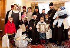 Украинская Православная Церковь поддержала многодетную семью покойного священника Олега Погорелова