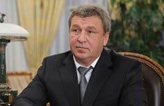 Многодетным семьям часто выделяют землю без инфраструктуры, - глава Минрегиона Игорь Слюняев