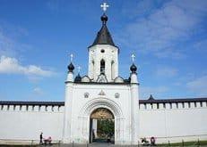 Восстановленному тверскому монастырю из Киева передали мощи 44 святых